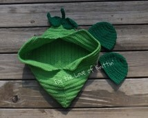 Two peas in a pod crochet set for twins or single baby