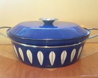 Cathrineholm Lotus Pot, Blue and White Cathrineholm Enamel Pot, Dutch Oven, Casserole with Lid, Grete Prytz, Norway