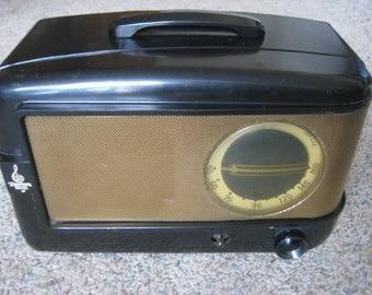 EMERSON 543 TUBE RADIO Brown Bakelite Vintage 1947