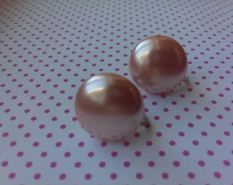 Holiday Pink Vintage Bridal Pearl Mad Men Style Screw Back Earrings Classic