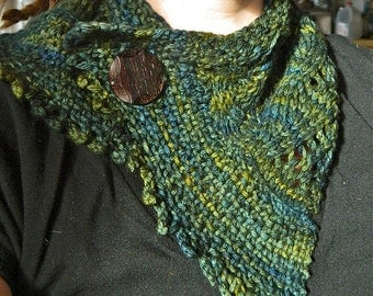 Green Handmade Knit Scarflette Cowl Wooden Button
