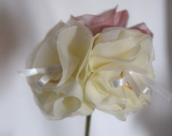 Ring cushions flowers original ivory rose bouquet