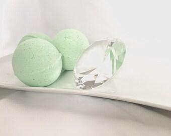 Bath Bomb, vanilla pear bathbomb, vanilla bathbomb, pear bathbomb