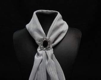 Vintage tie scarf with Onyx (very nice piece) 3cm X 2.7 cm No. 0569