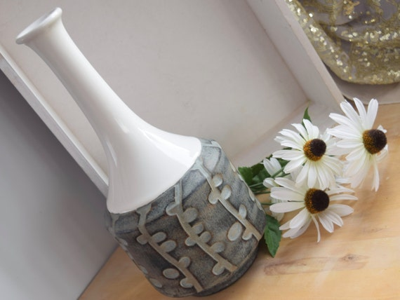 Rustic ceramic dried flower vase, wedding gift for the couple, anniversary gift, birthday gift, housewarming gift