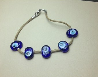 Devil's eye glass bead bracelet
