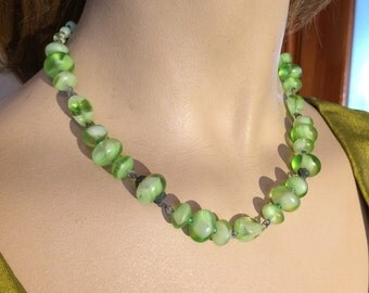 Vintage Glass Green Bead Necklace