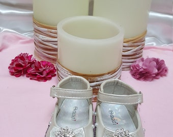 baby girl hand decorated shoes,rhinestones,pearls,ivory,pretty.
