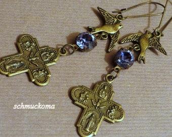 Cross-ear jewellery with purple glitter crystal stone-Gothic-steampunk-old & new-earrings-cross-glitter stone-Pierced earrings-Kidneyhaken-metal Cross