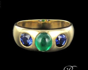 Sapphires Emerald yellow gold 18K modern ring