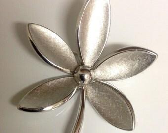 Vintage Trifari Brushed Silvertone Brooch Pin