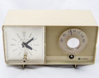 General Electric Solid State AM Radio