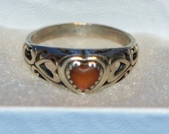 R014 Vintage Solid Sterling Silver Peach Colored Heart in Open Scroll Design Ring - Size 8.5