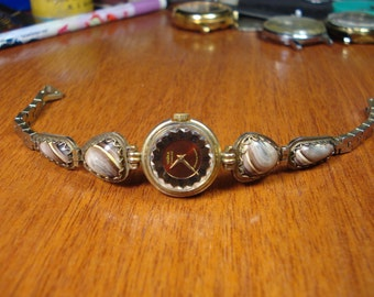 Chaika Smoll Vintage Ladies Mechanical Wrist Watch.