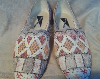 White Hand Painted Flat Slip-on Lace Toms-style Women's Shoes, Size 10 Mootsies Tootsies