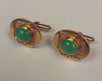 Vintage 14K Yellow Gold Apple Green Jade Cuff Links
