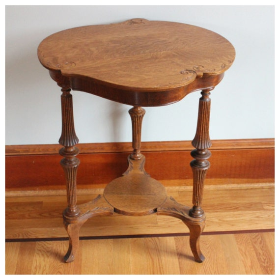 F3830 Antique American Victorian Quartersawn Oak Side Table