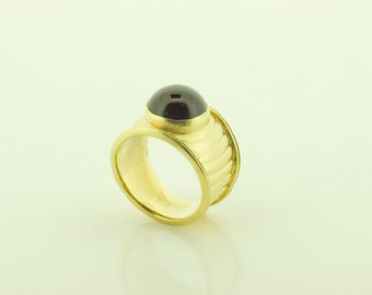 Vintage Silver Gilt and Garnet ring