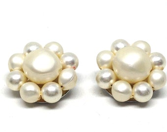 Gorgeous Vintage Gold and Faux Pearl Bead Cluster Clip On Earrings