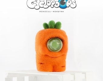 CyclopOops CARROT // toy wool gift //