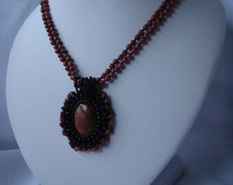 Embroidered collar Sun stone