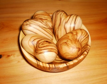Olive wood bowl and 4 olive wooden hearts, Home decor, Handmade in Bethlehem, Free shipping