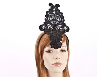 Black lace fascinator for races and special occasions