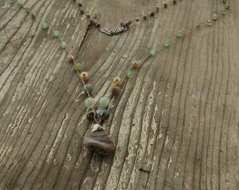 Crochete Czech Glass Gem Stone Zuesite Pendant Necklace Vintage Clasp