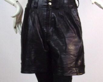 Short simili cuir noir Style Vintage Taille 38 Marque : Dan Sylva | Prix soldé !