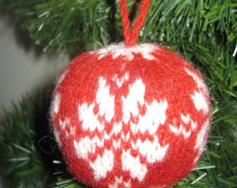Julekugler /Christmas tricot Ornament flower