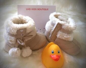 faux sheepskin boots,faux fur 1st walker,baby faux fur boots,toddler booties,soft sole booties,beige booties,beige baby booties,baby gift