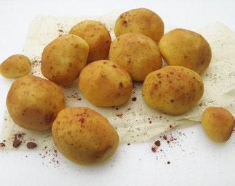 Marzipan potatoes (9) - 3D marzipan vegetables - garden cake decorations - marzipan candy - Christmas marzipan - fondant potato