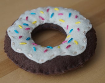 Felt Chocolate Donut (doughnut) with icing and sprinkles - Play Food