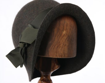 Phryne Fisher Green Fur Felt 1920s cloche hat