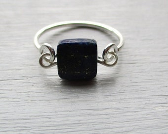 Ring ring in solid/925 and its stone lapi lazuli blue-elegant and refined-size 52.
