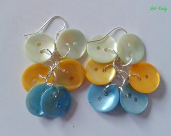 Earrings Pearly buttons from green to blue