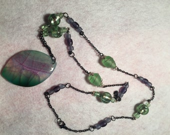 Green/Purple Glass Beads with Matching Green/Purple Glass Pendanat and Black Chain / Item # 292
