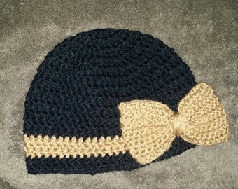 Crochet hat with bow