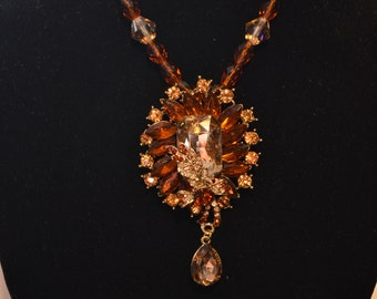 Amer and clear rhinestone pendant/necklace