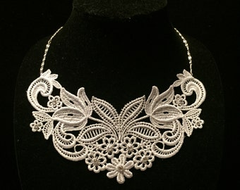 Venise Lace Necklace with Swarovski Crystals