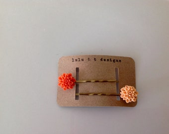 resin flower bobby pin pair