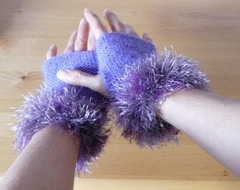 Soft wool mittens