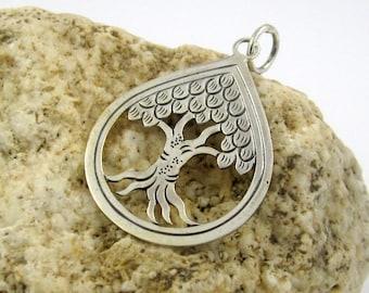 Bali handmade sterling silver pendant 30mm x width 25mm oxidized
