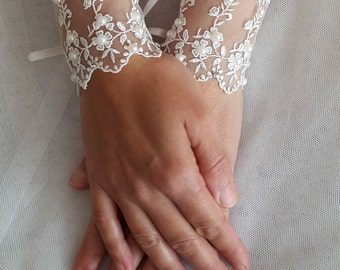 wedding gloves, ivory,wrist cuffs, bridal gloves,  lace,custom lace style,french lace, evening formal gloves,Free shipping.