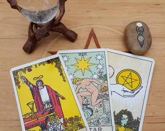 Three Card Past, Present and Future Tarot Card Reading