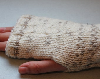 Knitted wrist warmers fingerless gloves