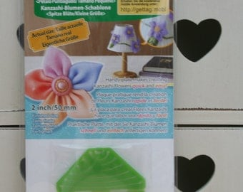 Clover Kanzashi Flower Maker Pointed Petal Small 8482 2in