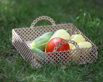 Wooden tray for fruits and vegetables. Free shipping.