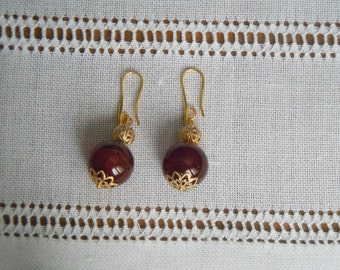 Gemstone earrings in natural carnelian