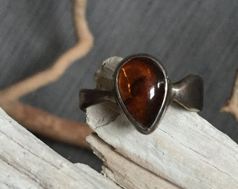 Sterling silver and amber ring size 8 1/2